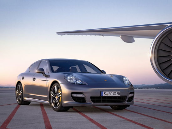 Porsche преждевременно разкри Panamera Turbo S