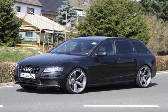Папараци заснеха прототип на новото Audi RS4 Avant
