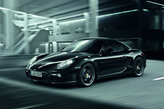 Лимитирания Porsche Cayman S Black Edition е доста нахъсан