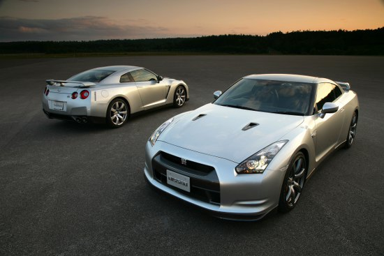 Представяне на актуализиран Nissan GT-R за Европа.