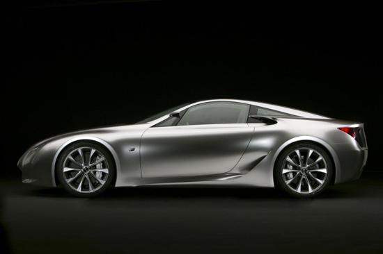 Lexus обяви цената на LF-A