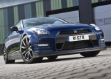 Снимки: Nissan GT-R спринтира за три секунди до 100 км/час