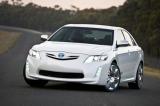 Снимки: Toyota показаха хибридната концепция на Camry