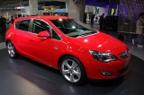 Снимки: Франкфурт 2009: Opel Astra с 5-врати
